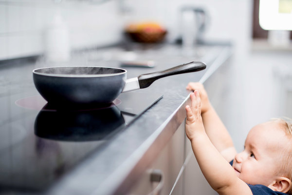 Prevenir queimaduras domésticas em crianças