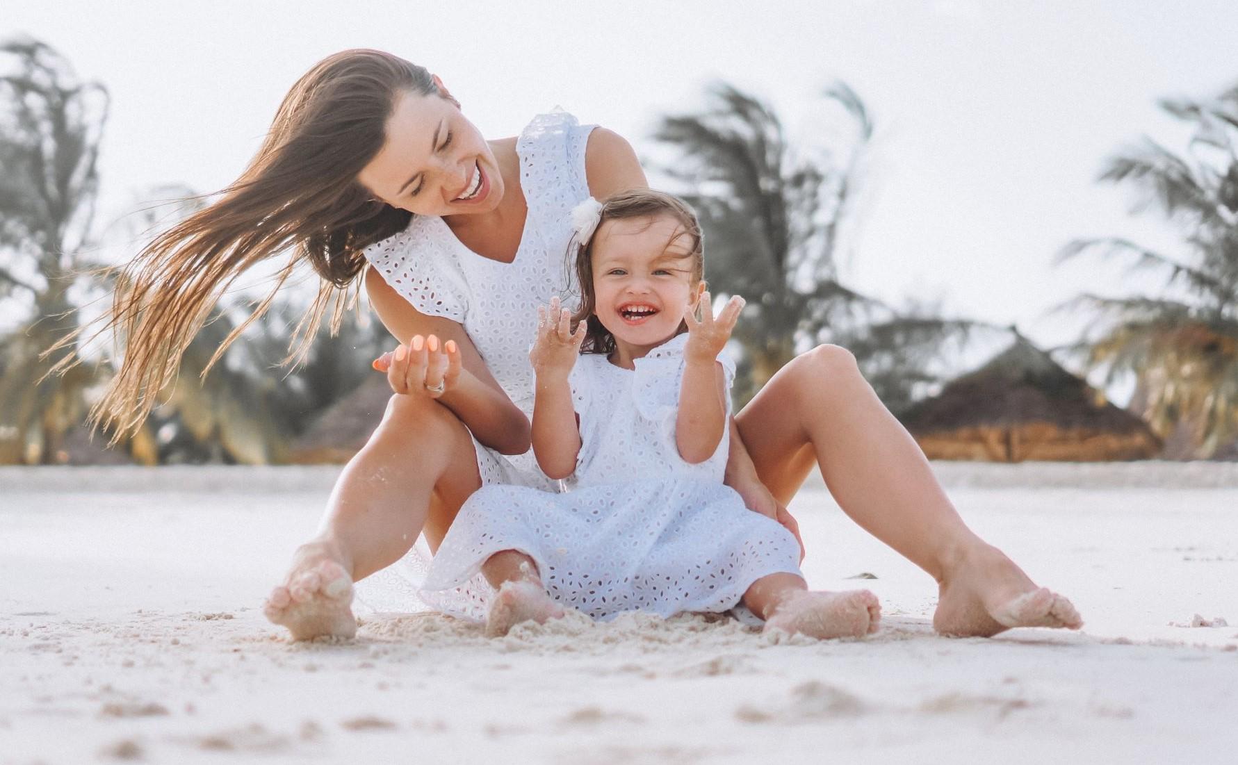 Bebés e crianças ao sol: todo o cuidado é pouco!