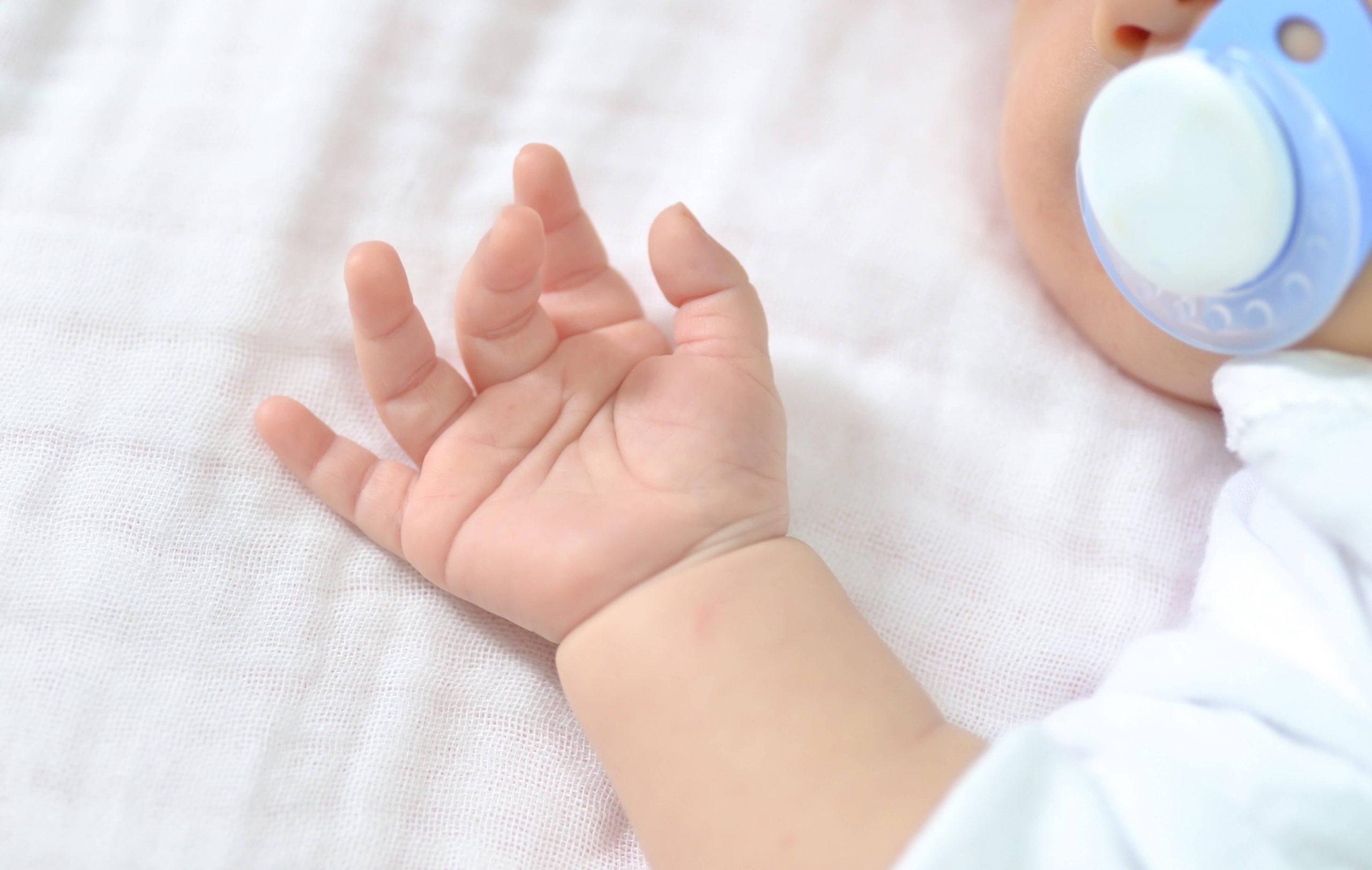 Quantas horas deve dormir um bebé?